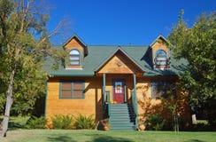 木的房子 免版税库存照片