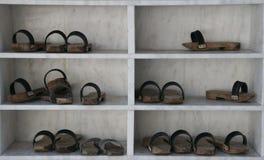 木的拖鞋 库存图片