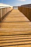 木的木板走道 免版税库存照片