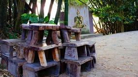 木的椅子 免版税库存图片