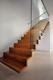 木的楼梯 免版税库存图片