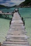 木的跳船 免版税库存图片