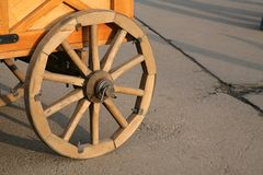木的轮子 库存图片