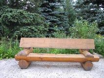 木的长凳 免版税图库摄影
