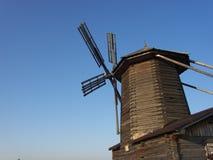 木的风车 库存图片