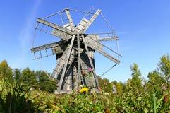 木的风车 免版税库存图片