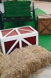木箱和木桌 库存照片