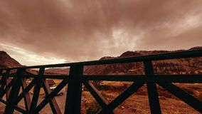 木篱芭Timelapse在高大阳台的在与云彩的山风景 水平的滑子运动 影视素材