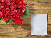 木红色的玫瑰 库存照片