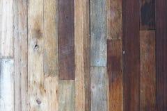 木纹理背景,木板条 与老自然样式的黑暗的木纹理背景表面 木纹理 木纹理 库存图片