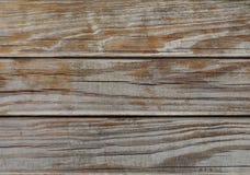 木纹理:强烈被风化的成颗粒状的木头 库存照片