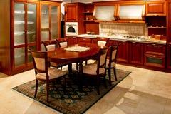 木经典之作的厨房 免版税库存照片
