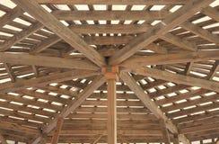 木结构的屋顶 免版税库存照片