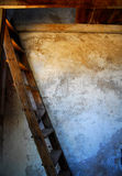 木老的台阶 免版税库存照片