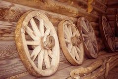 木老的轮子 免版税图库摄影