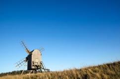 木老的风车 免版税库存图片