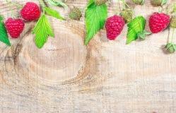 木背景用新鲜的莓 免版税库存图片