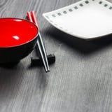 木背景的筷子二 免版税库存图片