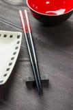 木背景的筷子二 免版税库存照片