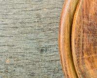 木背景 两类木头 灰色和褐色 库存图片