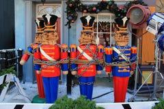 木胡桃钳装饰的圣诞节和万圣夜 库存图片
