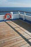 木蓝色浮体天空的码头 图库摄影