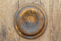 木表面和一个装饰元素以圈子的形式 库存图片