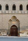 木被成拱形的门,开罗,埃及城堡  库存照片