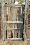 木被烧焦的门 免版税库存照片
