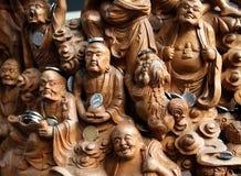 木被雕刻的盘区18 16 Arhats在上海玉佛寺Yufo陈Si 免版税库存照片