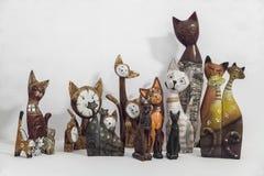 木被绘的装饰猫 免版税库存照片