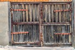 给木装门 免版税库存照片