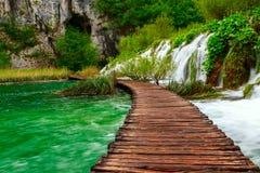 木道路在国家公园在Plitvice 免版税库存图片