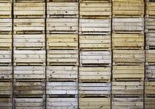 木配件箱的果子 免版税图库摄影