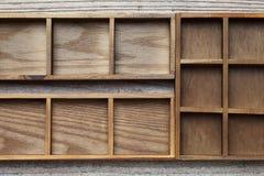 木配件箱的盘 库存照片