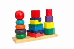 木金字塔玩具 免版税库存图片