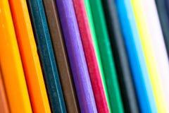 木铅笔颜色的变异做的抽象背景  图库摄影