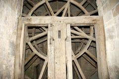 木链轮老风车 免版税库存照片