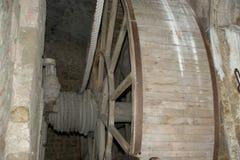 木链轮老风车 免版税图库摄影