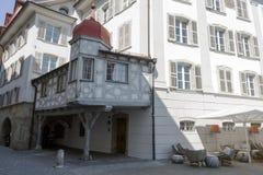 木附属建筑在卢赛恩,瑞士 库存照片