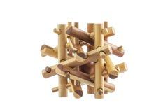 木难题,在白色背景隔绝的逻辑玩具比赛 库存图片
