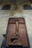 木雕刻十字架的耶稣基督 免版税库存照片