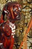 非洲战士(木头雕刻) 免版税图库摄影