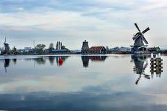 木风车Zaanse Schans村庄荷兰荷兰 图库摄影