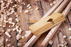 木飞机和建筑材料 库存图片