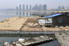 木驳船的建筑 免版税库存照片