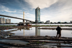木头在河曼谷 免版税库存照片