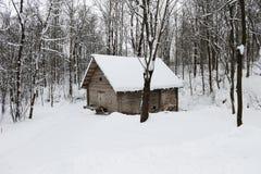 木绝密房子的葡萄酒 库存照片