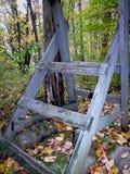 木结构在森林里 免版税库存照片