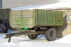 木购物车的葡萄酒 免版税库存图片
